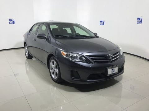 Pre-Owned 2013 Toyota Corolla  FWD 4dr Car