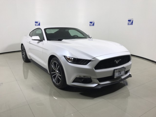 New 2017 Ford Mustang I4