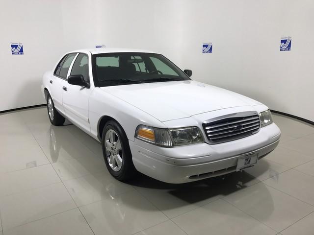 Pre-Owned 2010 Ford Crown Victoria LX