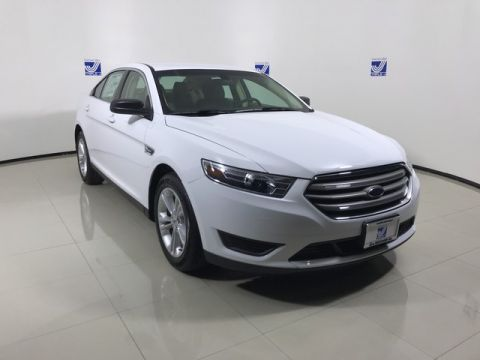 New 2017 Ford Taurus SE